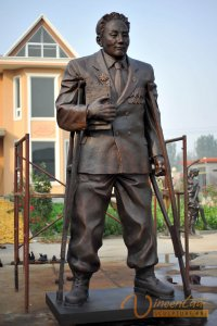 Custom Bronze Statue4