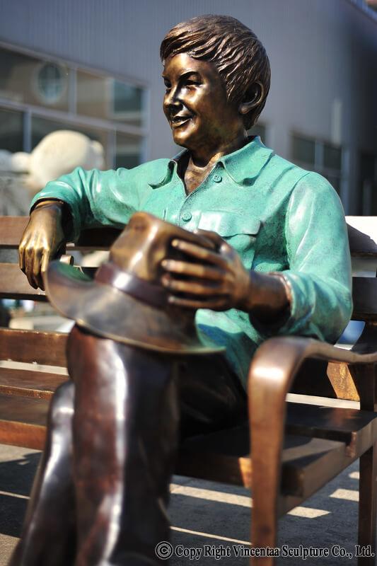Bronze Statue Monument (5)