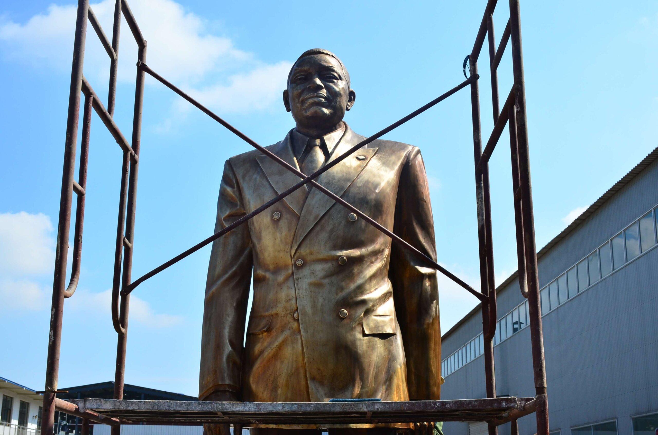 Custom Statue 11
