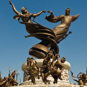 custom statue monument